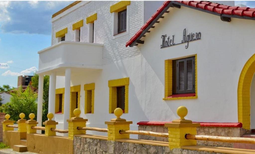 Nuevo Hotel Aguero Turismo en Argentina Alojamientos en Mina Clavero Traslasierra Cordoba. Que hacer en Mina Clavero Como llegar a Mina Clavero.Cabañas .